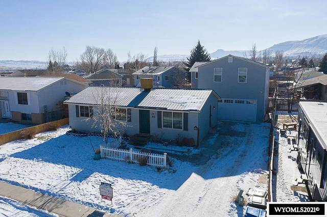 1410 N Riverbend Drive, Green River, WY 82935 (MLS #20210120) :: RE/MAX Horizon Realty