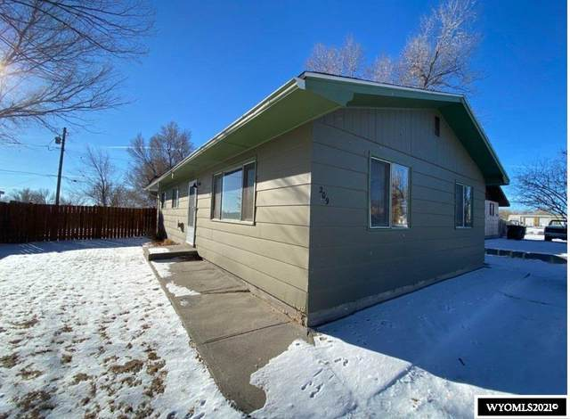 209 E Monrie Avenue, Riverton, WY 82501 (MLS #20210150) :: Real Estate Leaders