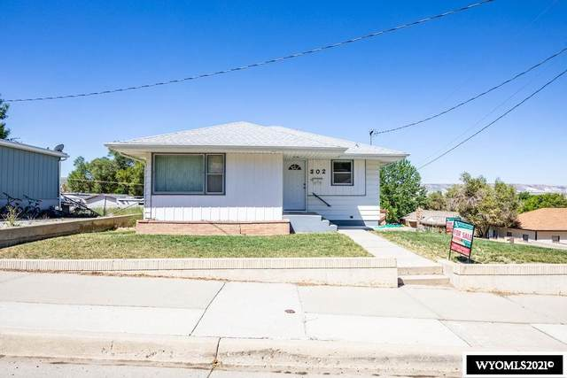 302 R Street, Rock Springs, WY 82901 (MLS #20210178) :: RE/MAX Horizon Realty