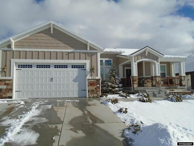 325 Pinnacle Drive, Rock Springs, WY 82901 (MLS #20210348) :: Real Estate Leaders