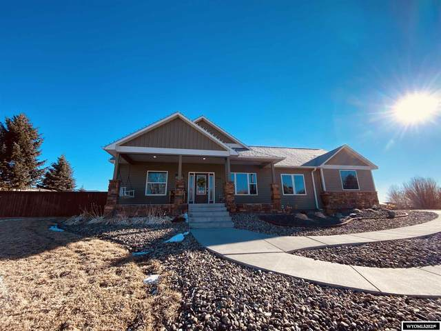 1064 Riverbend Drive, Douglas, WY 82633 (MLS #20210922) :: Real Estate Leaders