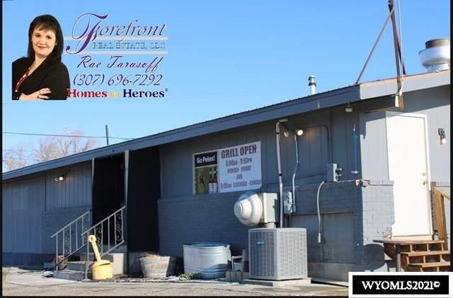 525 SW Wyoming Boulevard, Mills, WY 82644 (MLS #20211421) :: Lisa Burridge & Associates Real Estate