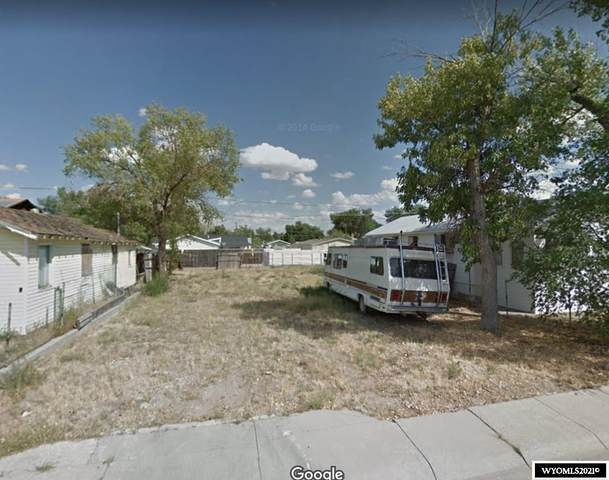 827 N Park Street, Casper, WY 82601 (MLS #20211701) :: Real Estate Leaders