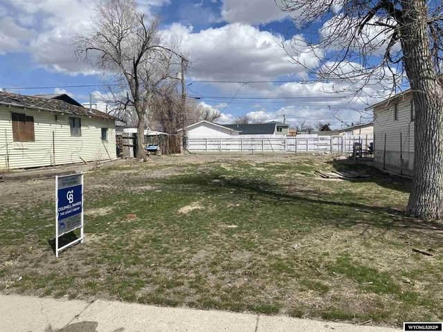 827 N Park Street, Casper, WY 82601 (MLS #20211707) :: Real Estate Leaders