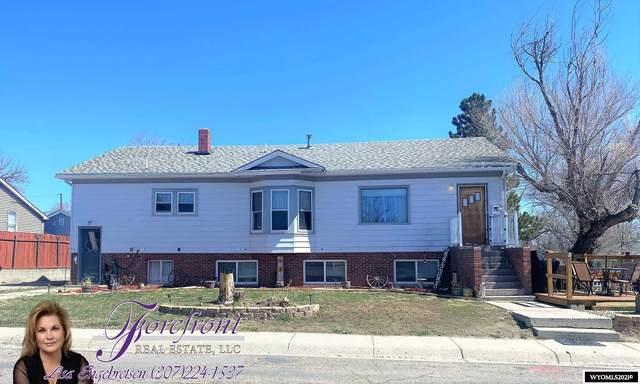 745 S Jackson Street, Casper, WY 82601 (MLS #20211708) :: Real Estate Leaders
