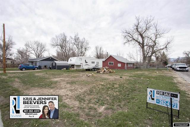 000 Riverview Avenue, Mills, WY 82604 (MLS #20212058) :: Real Estate Leaders