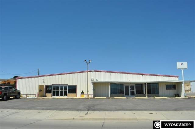 725 E Cedar, Rawlins, WY 82301 (MLS #20212615) :: RE/MAX The Group