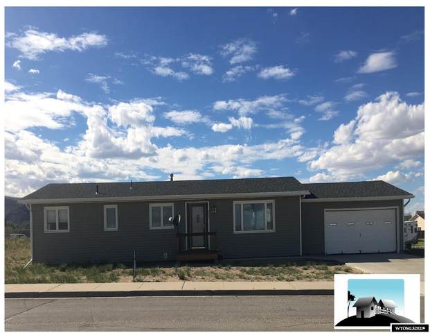 903 Locust Street, Rawlins, WY 82301 (MLS #20213048) :: RE/MAX The Group