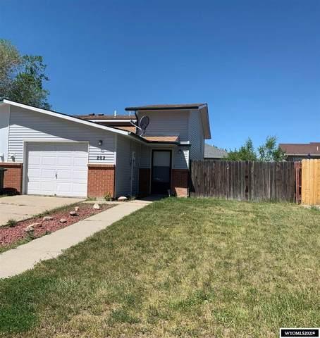 262 La Prele Drive, Douglas, WY 82633 (MLS #20213139) :: Broker One Real Estate