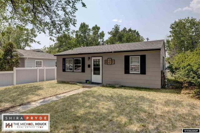620 S 9th, Douglas, WY 82633 (MLS #20214038) :: RE/MAX Horizon Realty