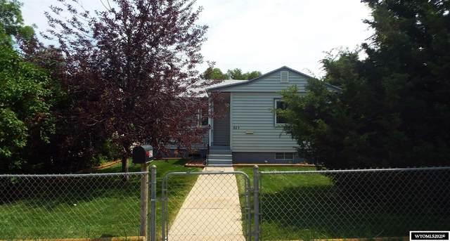 825 S Mckinley Street, Casper, WY 82601 (MLS #20214314) :: Real Estate Leaders