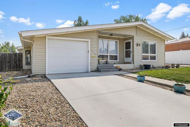 2655 E 11th Street, Casper, WY 82609 (MLS #20214598) :: Real Estate Leaders