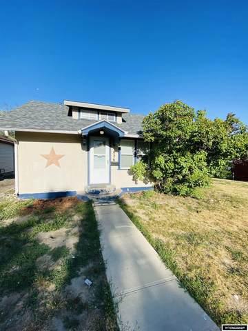 1026 S Jackson Street, Casper, WY 82601 (MLS #20215115) :: RE/MAX Horizon Realty