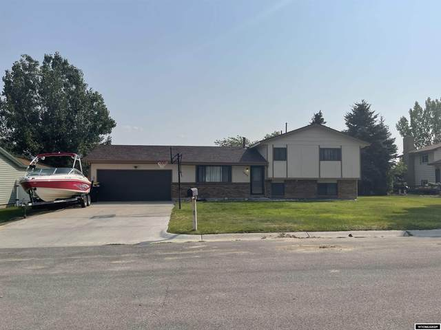 1804 Dundee Drive, Rawlins, WY 82301 (MLS #20215290) :: Real Estate Leaders