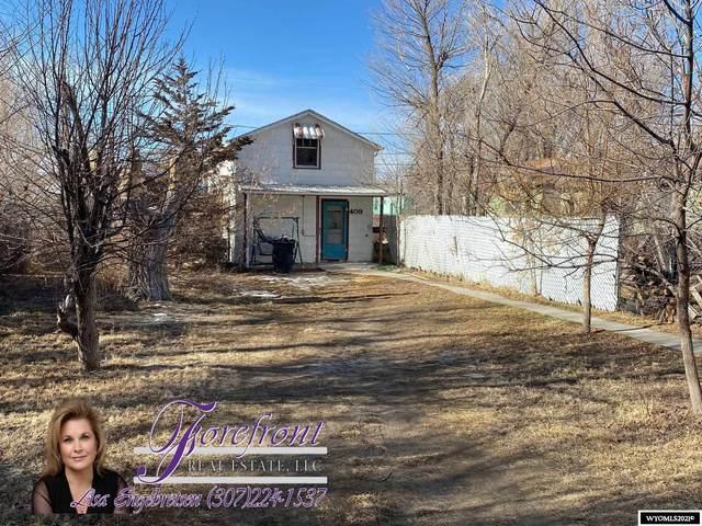 409 Benton Avenue, Mills, WY 82604 (MLS #20215339) :: Broker One Real Estate