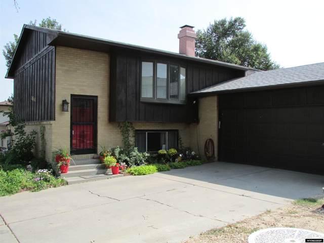 1841 Shumway Avenue, Casper, WY 82601 (MLS #20215442) :: Real Estate Leaders