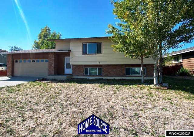 826 N 12th St E, Riverton, WY 82501 (MLS #20215790) :: RE/MAX The Group