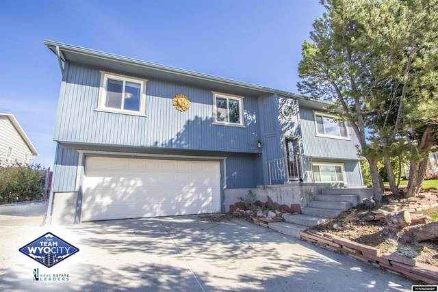 5131 S Center Street, Casper, WY 82601 (MLS #20215983) :: Real Estate Leaders
