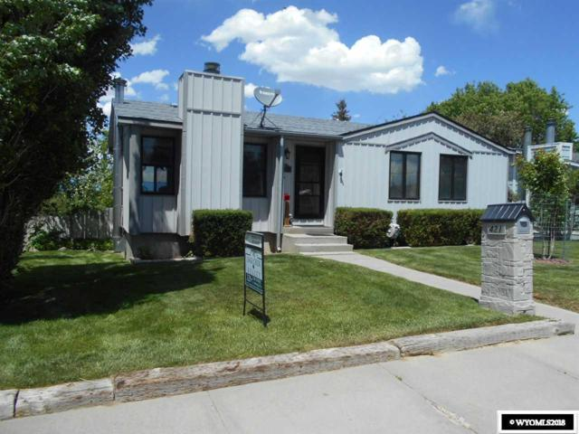 421 E Davis Street, Rawlins, WY 82301 (MLS #20181669) :: Real Estate Leaders