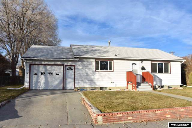1034 E Jackson Avenue, Riverton, WY 82501 (MLS #20196554) :: RE/MAX The Group