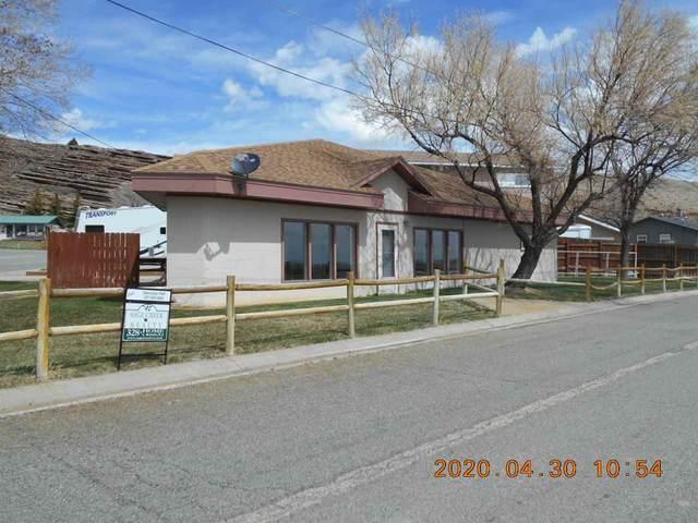 1609 Montana, Rawlins, WY 82301 (MLS #20200352) :: Real Estate Leaders