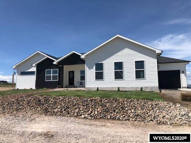 207 Antelope Drive, Douglas, WY 82633 (MLS #20200827) :: RE/MAX The Group