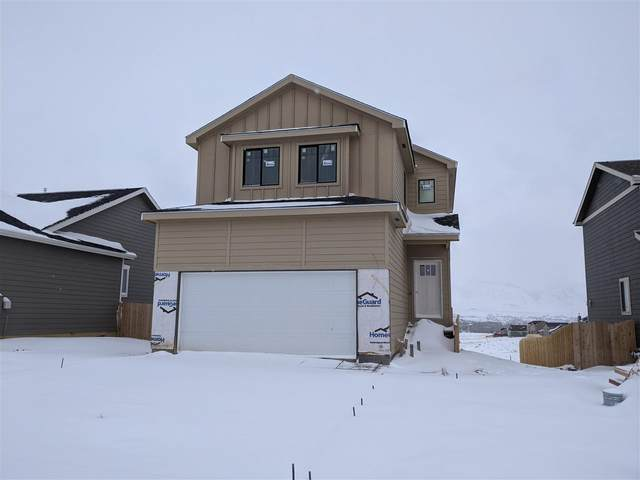 6071 Thunder Valley Road, Mills, WY 82604 (MLS #20201042) :: RE/MAX The Group