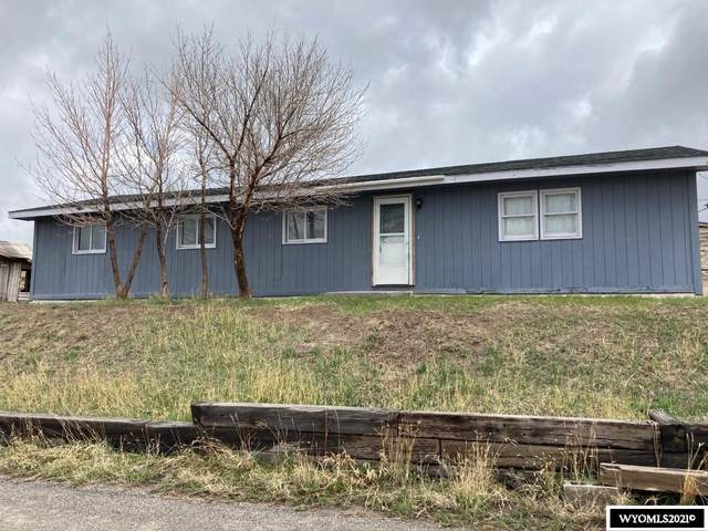 703 Perry, Rawlins, WY 82301 (MLS #20212091) :: RE/MAX The Group