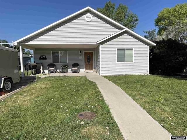1124 Washington Street, Douglas, WY 82633 (MLS #20213999) :: RE/MAX Horizon Realty