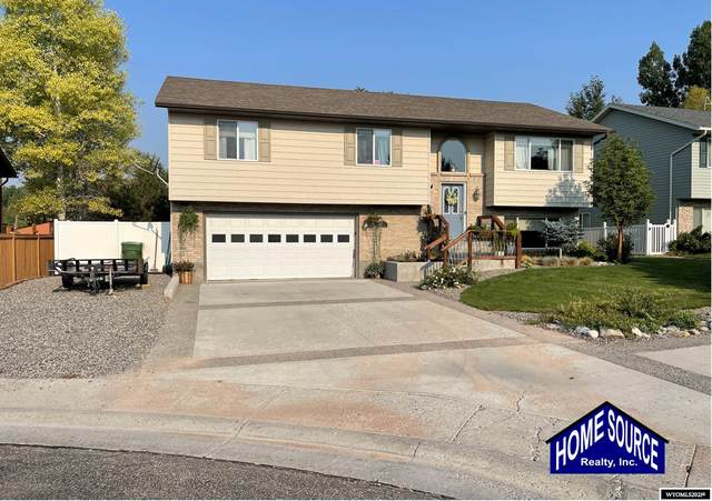 4110 St Andrews Place, Riverton, WY 82501 (MLS #20215140) :: RE/MAX Horizon Realty