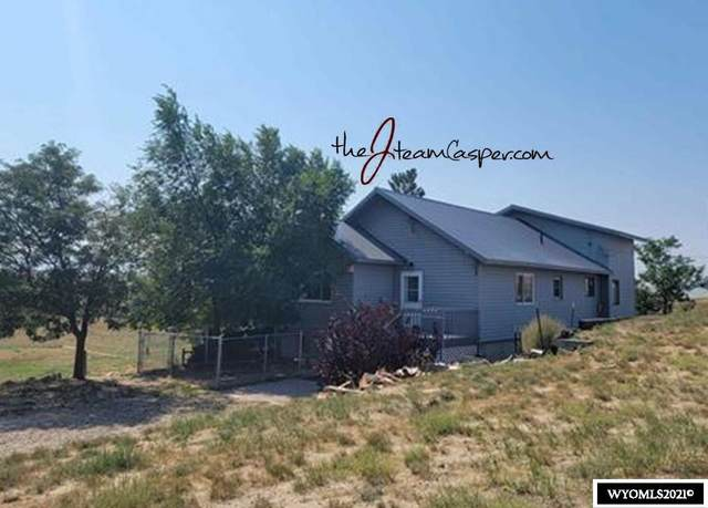 8591 E Country Drive, Evansville, WY 82636 (MLS #20215456) :: Real Estate Leaders