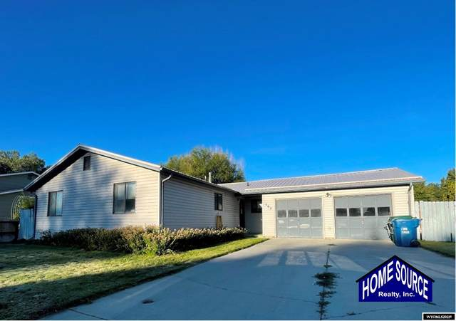 502 Peak Drive, Riverton, WY 82501 (MLS #20215723) :: RE/MAX Horizon Realty