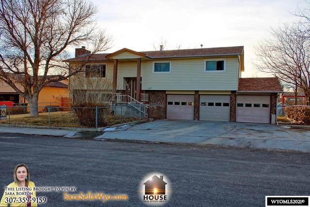 1014 Laredo Drive, Douglas, WY 82633 (MLS #20211188) :: RE/MAX The Group