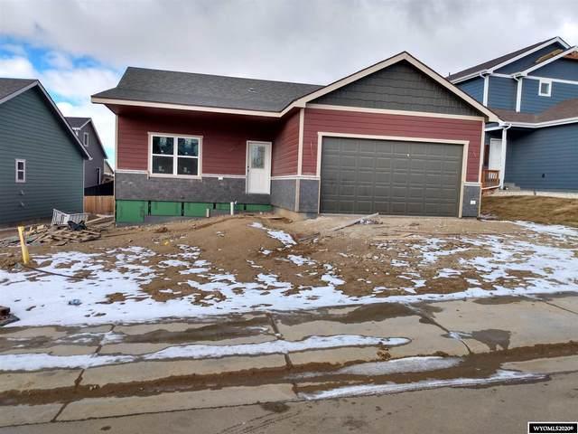 840 Dusty Terrace, Mills, WY 82604 (MLS #20205644) :: Real Estate Leaders