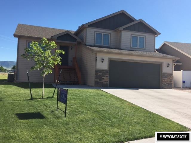 721 Camp Davis Circle, Evansville, WY 82636 (MLS #20173881) :: Lisa Burridge & Associates Real Estate