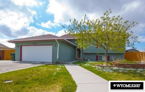 2211 Mandan Trail, Bar Nunn, WY 82601 (MLS #20173934) :: RE/MAX The Group