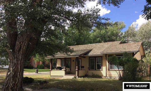 1007 W Maple Street, Rawlins, WY 82301 (MLS #20174984) :: Lisa Burridge & Associates Real Estate