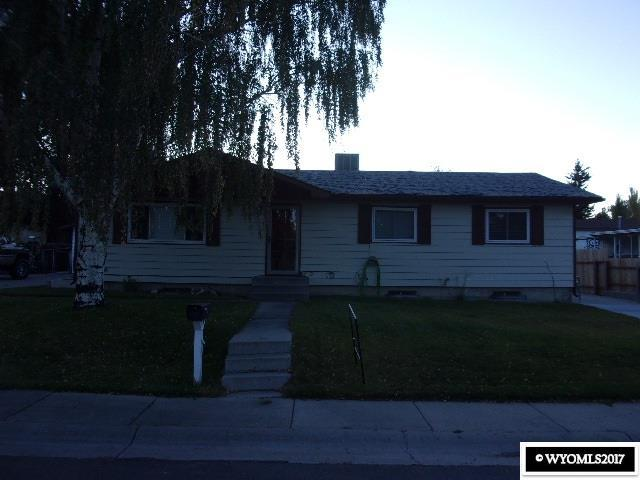 1415 Essex Street, Green River, WY 82935 (MLS #20175939) :: RE/MAX The Group