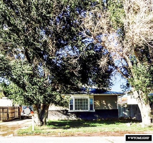 625 Donnel Street, Rawlins, WY 82301 (MLS #20176889) :: Real Estate Leaders