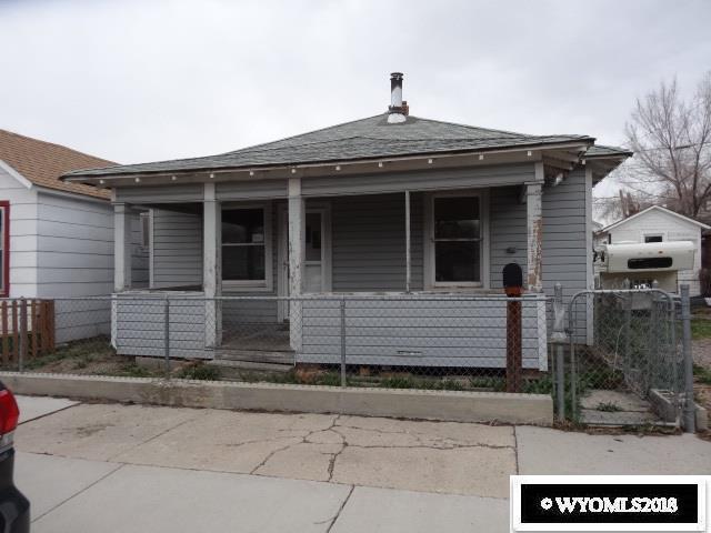 912 8th St, Rock Springs, WY 82901 (MLS #20182588) :: Real Estate Leaders
