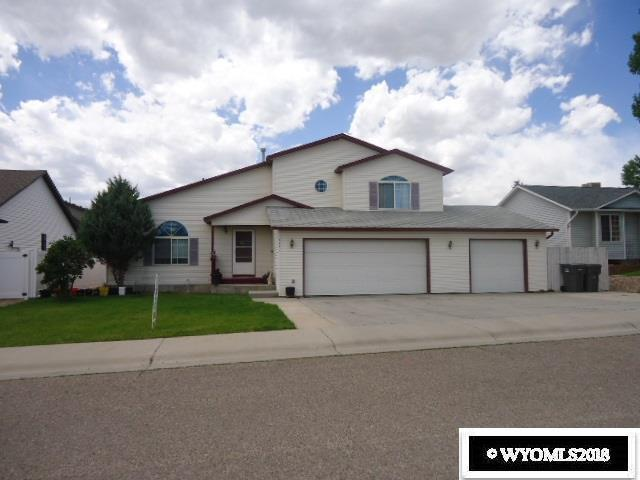 207 Wild Rose Lane, Rock Springs, WY 82901 (MLS #20183338) :: RE/MAX The Group