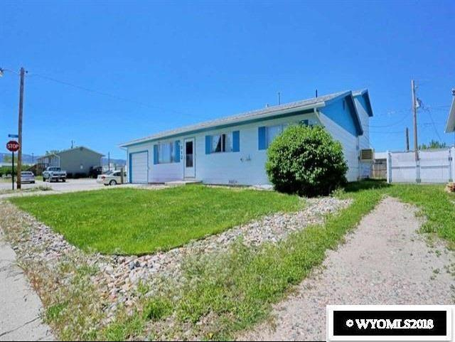 312 Missouri Street, Evansville, WY 82633 (MLS #20186922) :: RE/MAX The Group