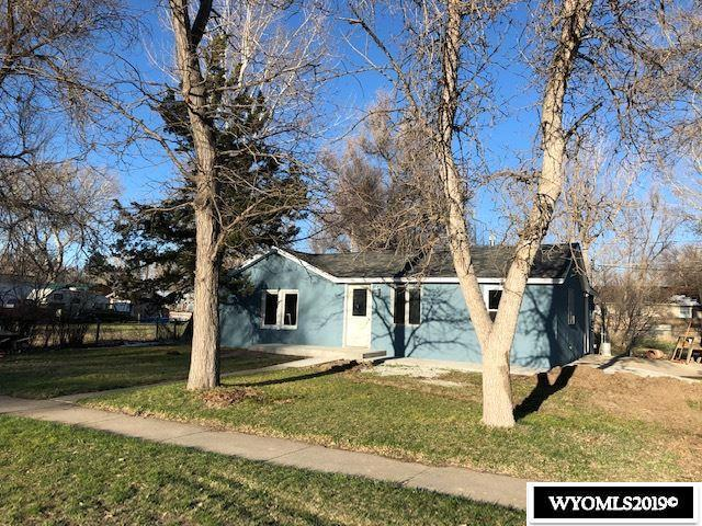 937 S 5th Street, Douglas, WY 82633 (MLS #20191856) :: Lisa Burridge & Associates Real Estate
