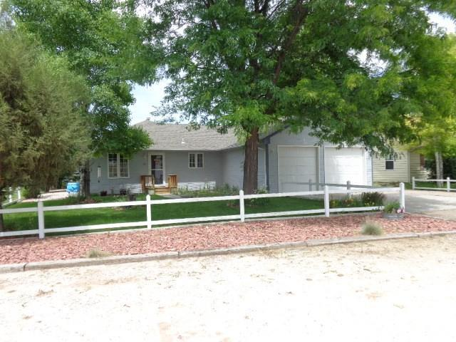625 River Drive, Guernsey, WY 82214 (MLS #20194019) :: RE/MAX The Group