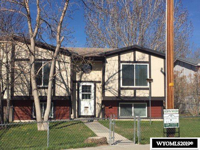1914 Dunphail, Rawlins, WY 82301 (MLS #20195856) :: RE/MAX The Group