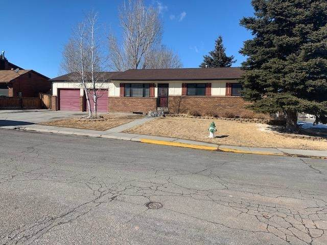 825 Sundance Drive, Green River, WY 82935 (MLS #20200914) :: Real Estate Leaders