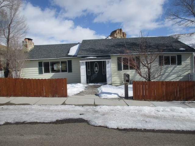 540 Hillcrest Way, Green River, WY 82935 (MLS #20200920) :: Real Estate Leaders