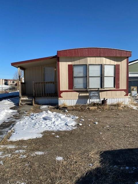 817 Apple Avenue, Rawlins, WY 82301 (MLS #20201043) :: Real Estate Leaders
