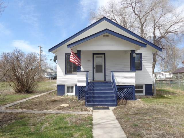 171 N Iowa Avenue, Guernsey, WY 82214 (MLS #20201888) :: RE/MAX The Group