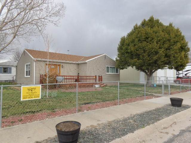 40 E Burlington Street, Guernsey, WY 82214 (MLS #20201972) :: RE/MAX The Group
